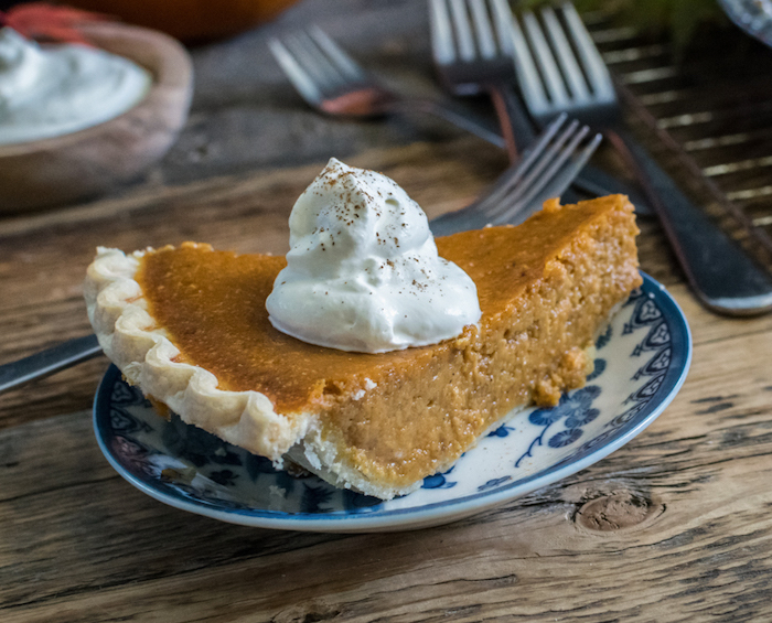 pumpkin pie with whipped topping