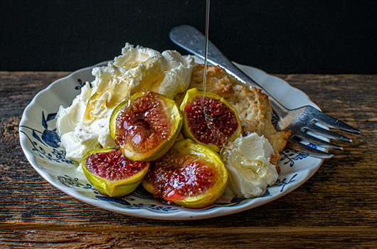 Broiled Figs With Shortcake